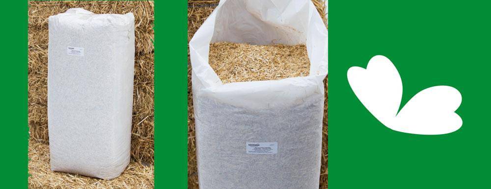 Produkt Stroh geschnitten Sonnenklee im geschlossenen und geöffneten Sack